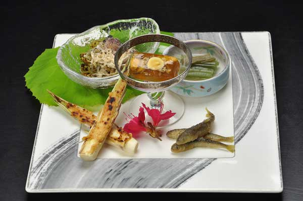 http://www.chikurinbou.com/news/topics/images/1806kaiseki493.jpg